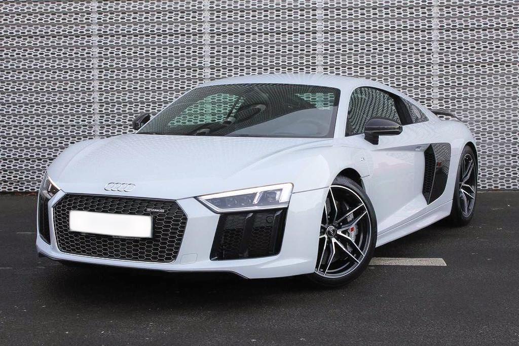 Audi R8 V10 Hire Luton